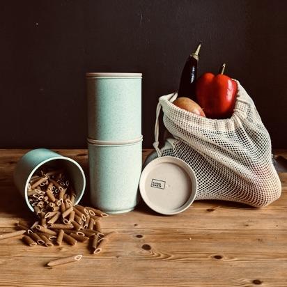 Obstnetz-und-Becher